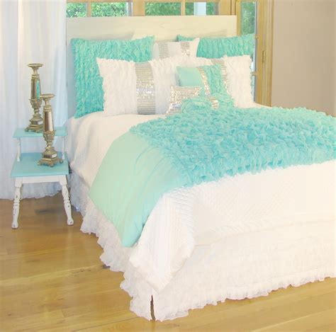turquoise bedding glitz and turquoise bedding interiordecorating