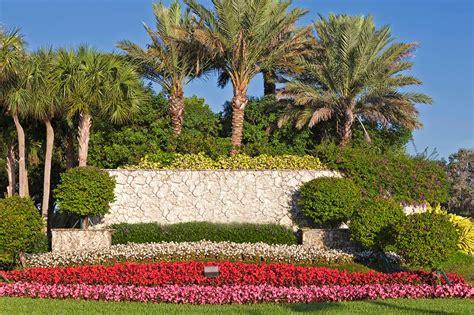 Landscape Helper Landscape Helper 28 Images 7 Signs Your Lawn Needs