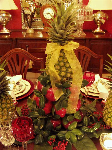 colonial williamsburg christmas table setting  apple