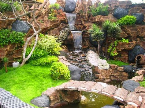 taman relief taman dinding kolam minimalis taman minimalis