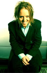 groundhog day tim minchin tim minchin s groundhog day musical sets broadway dates