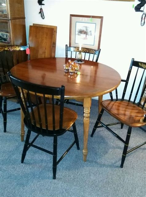 Hitchcock Dining Room Furniture by Hitchcock Furniture Dining Table With 2 Leaves And 4