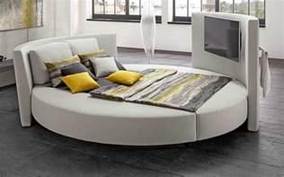 rundes bett ikea ikea bett rund mit moderne design komplett mit kissen und