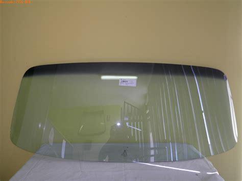 volkswagentransporterkombivanutilitymicro busto frontwindscreenglass size