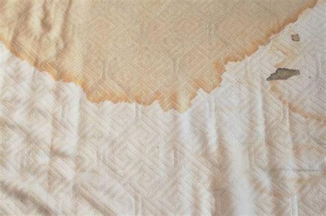 bettdecke reinigen matratze reinigen flecken entfernen zuhause net