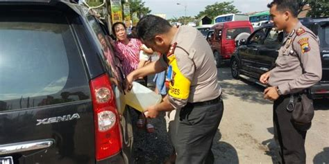 Pertamina Bensin pertamina kehabisan bensin segera telepon call centre 1500000 merdeka