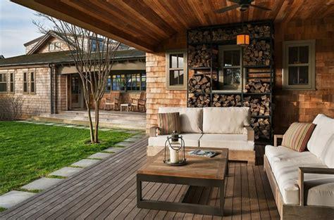 terrasse rustikal brennholz lagern kann auch kunstvoll und 228 sthetisch sein