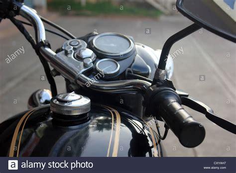 Enfield Motorrad Bilder by Royal Enfield 350 Bullet Stockfotos Royal Enfield 350