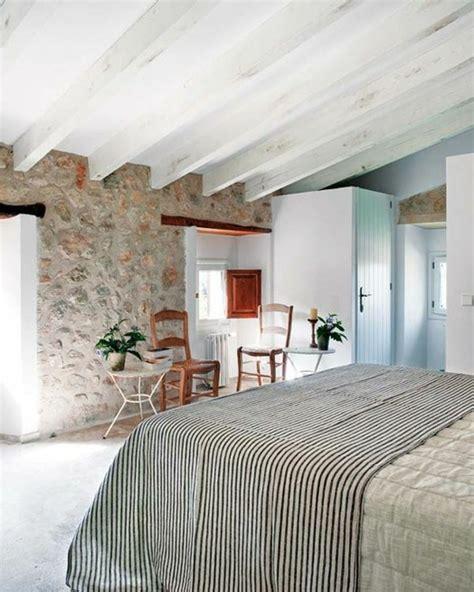 chambre avec plafond en pente quelles pierres de parement choisir pour votre pi 232 ce