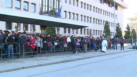www ufficio immigrazione it quattro ore di attesa per ritirare una carta di soggiorno