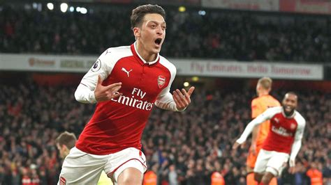 arsenal players salary wenger paying ozil mega salary was cheapest option for
