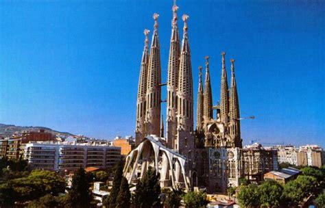 famous places barcelona spain sagrada familia in barcelona spain the best places to