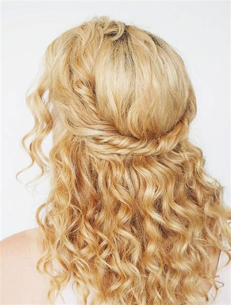 best hairstyles easy to make 3 easy to make hairstyles for naturally curly hair