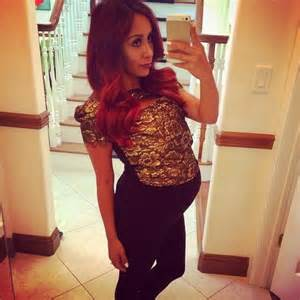 Celebrity baby bump images
