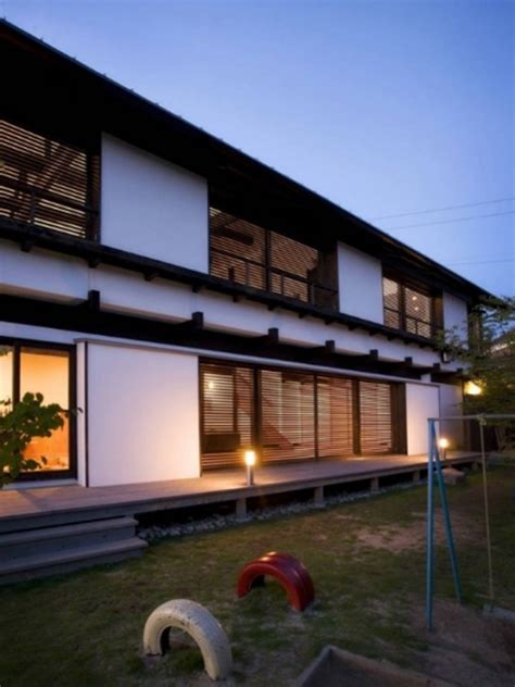 delightful Living Room Design Ideas #2: japanese-backyard-house-with-traditional-elements-600x800.jpg