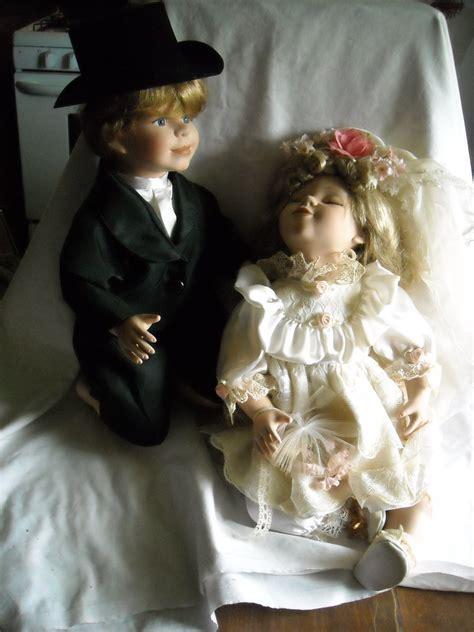 porcelain doll 64078 17 quot and groom 15 quot kneeling porcelain dolls rn
