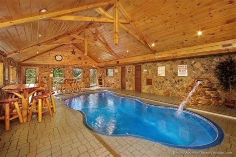 Cabins With Indoor Pools Gatlinburg Tn 5 o clock somewhere 3 bedroom cabin rental pigeon