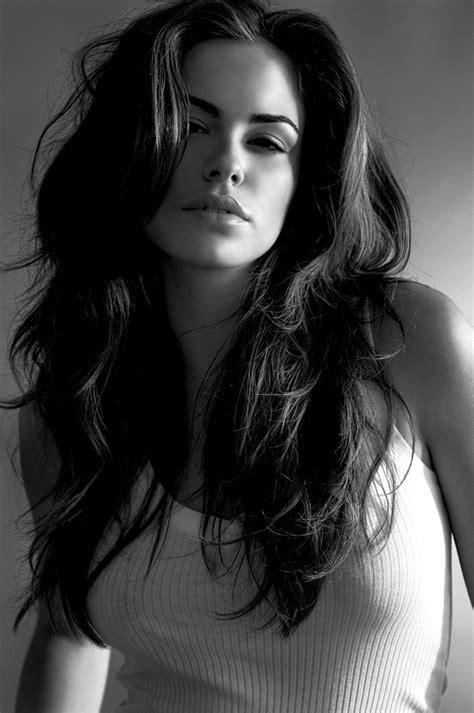 8 sexy hairstyles for girls with long hair bayan avatarlar siyah beyaz 726 20 tane mavi erik