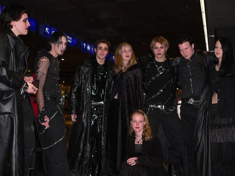 the goths what is clothing