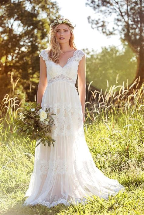 Looking For A Dress For A Wedding by 63 Best Images About Wedding Dress Attire Galore On