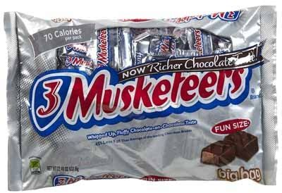 harris teeter: fun size 3 musketeers or twix $1.49