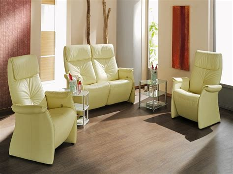 Sofas Small Living Rooms by How To Find Small Sofas For Small Rooms
