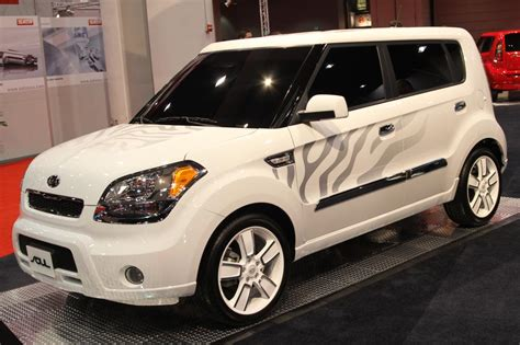 Kia White Sema 2010 Kia Soul White Tiger Photo Gallery Autoblog
