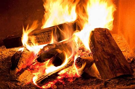Warm Fireplace by Brrr 5 Ways To Maximize Your Fireplace And Chimney