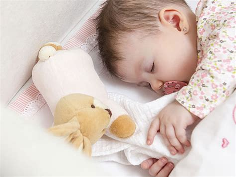 how do i get baby to sleep in crib how do i get a newborn baby to sleep baby care