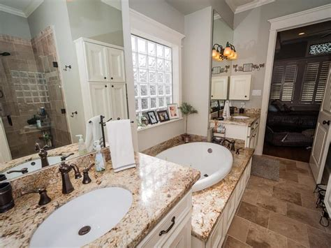 White Cabinet Kitchens With Granite Countertops 24 Beautiful Master Bathrooms Page 3 Of 5