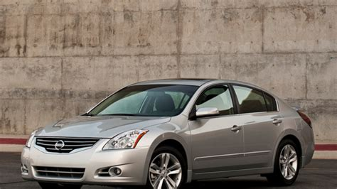 Nissan Quality Issues by Nissan Recalls 26 000 2009 2010 Altima And Maxima Models
