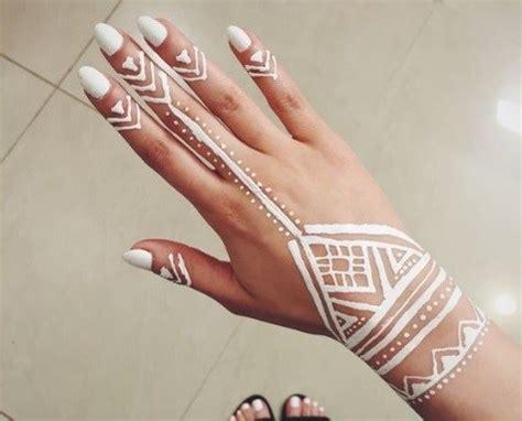 gambar desain henna tangan 50 gambar henna tangan cantik simple dan sederhana