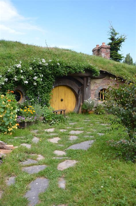 hobbit house new zealand hobbiton matamata new zealand travel pinterest