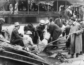 titanic bodies washed ashore www imgkid com the image