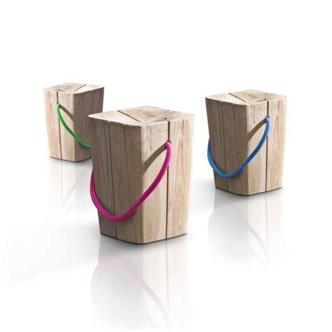 sgabelli legno design uno sgabello di legno massiccio da design idee per