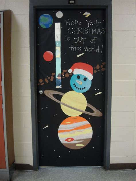 christmas door decorating contest and the science