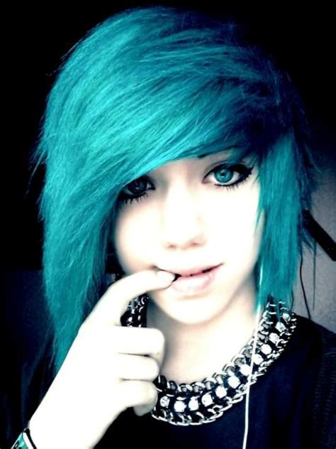 hairstyles emo short 10 popular emo hairstyles for girls faceshairstylist com