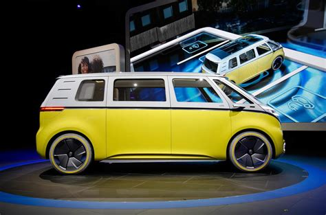 volkswagen microbus concept new volkswagen microbus concept revealed at detroit motor