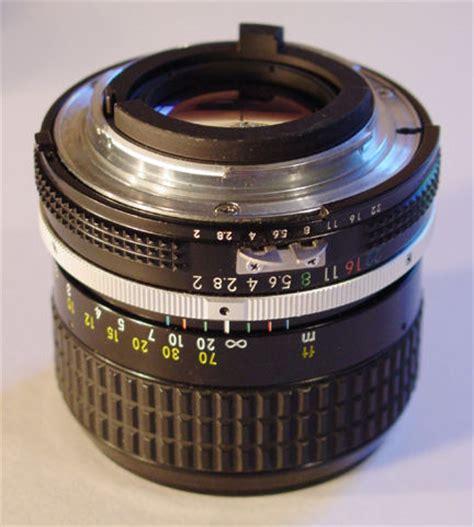 nikkor 85mm f/2.0 telephoto lens