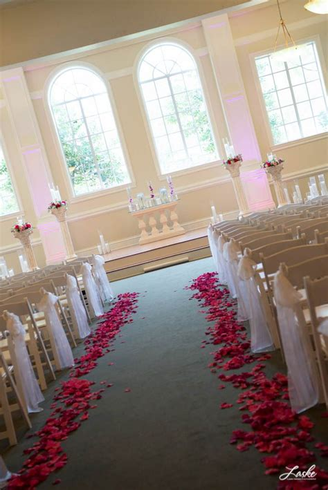 Wedding Aisle With Petals by 17 Best Images About Petal Wedding Aisles On