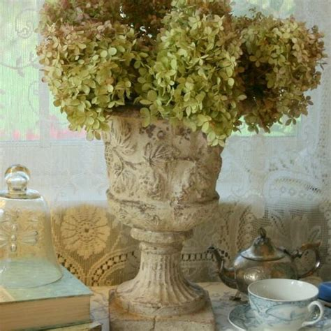 Shabby Chic Garden Decor Shabby Chic Decorating Ideas Inspired By Beautiful Flowers And Gardens Decorations In Vintage Style