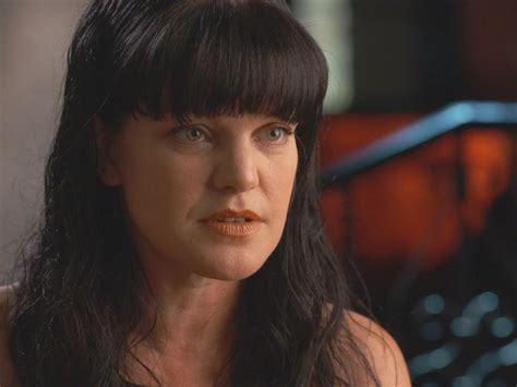 Shoptalk Podcast Pauley Perrette Ncis A Who Knows Way Around A Salvation Army by Stalked Quot Ncis Quot Pauley Perrette Among Victims