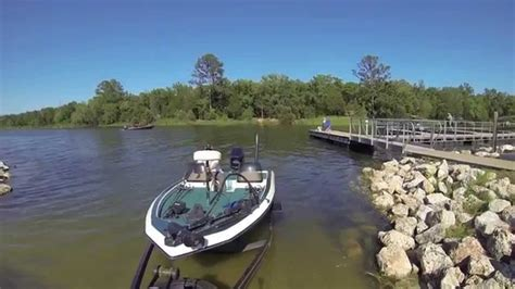 how to launch and retrieve a boat how to launch and retrieve your bass boat doovi