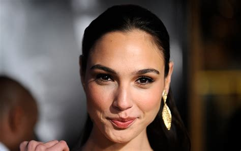 celebrity biography documentary facebook covers for gal gadot popopics com