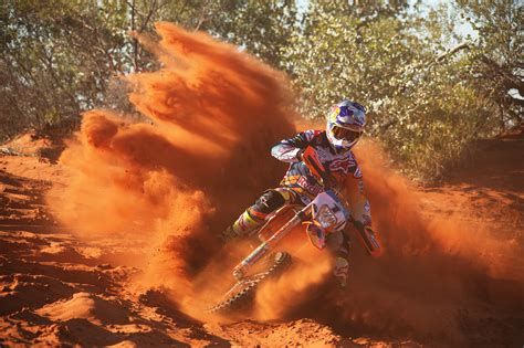 Ktm Powerwear Australia Ktm Aims To Continue Finke S Orange In 2016