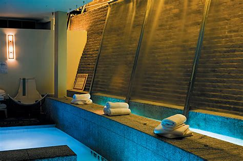 Best Spas In New York Where To Get A Massage Facial Or Scrub Best Lounge Chairs