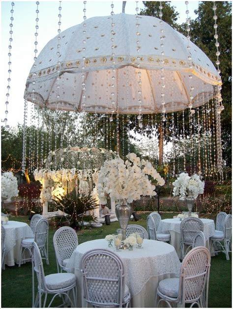 5 Amazing Wedding Decor Ideas with Umbrellas   Amazing