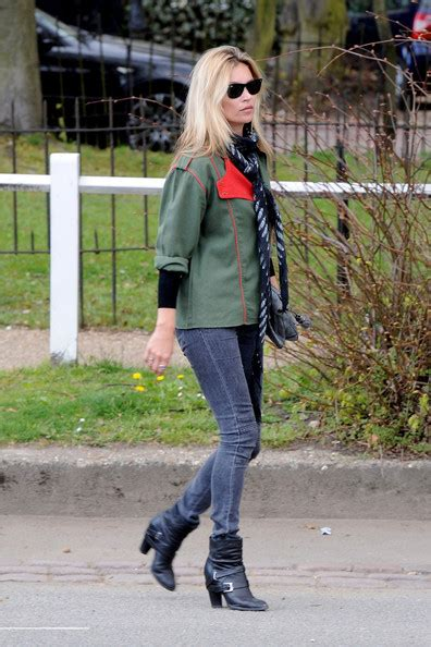 kate moss flat shoes kate moss photos photos kate moss out and about in