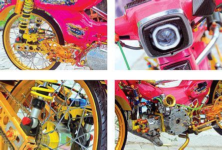 Motor Tua Yamaha V80 yamaha v80 82 banyuwangi tua bangka tetap mempesona