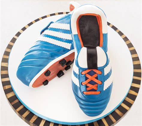 how to make football shoes football boots paul bradford sugarcraft school